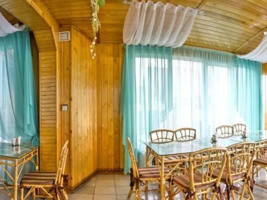 Гостиница «У озера»
